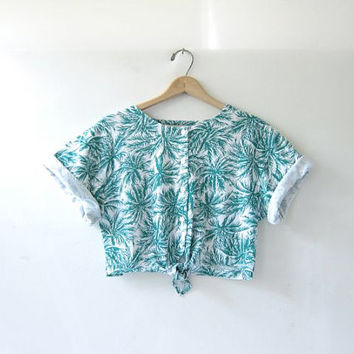 Vintage cropped shirt. tie front top. palm tree button front belly top.