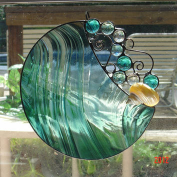 Handmade Round Stained Glass Suncatcher with glass bubbles and pearlized Turbo shell