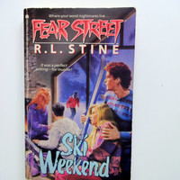 Vintage Fear Street Ski Weekend Book by R.L. Stine 1991