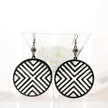 Black Friday Deal New woman's large dark gray circle extra large silver dangle earrings