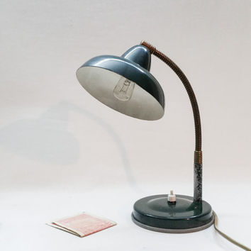 Italian Mid Century table Lamp - Green brass goosearm - Bedside table - desk -Typewriter