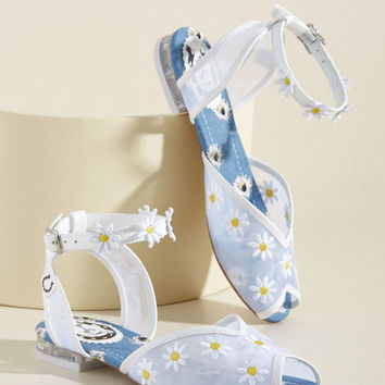 Wait and Daisy Sandal