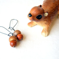 Acorn Earrings - redwood beads - vintage acorn caps - nature-inspired jewelry - woodland fashion - Autumn fashion