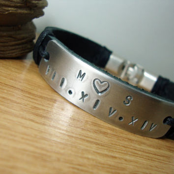 FREE SHIPPING - Men Bracelet, Personalized Hand Stamped, Black  Leather cuff, Mens Bracelet.Men gift, Men leather Bracelet.