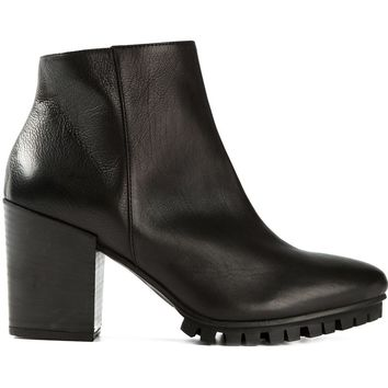 Vic Leather ankle boot