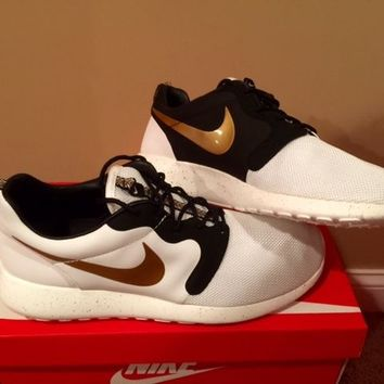 Nike Roshe Run QS Hyp White Gold Trophy 669689-100 READY TO SHIP NEW DS