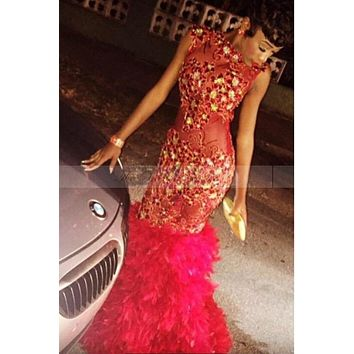 Vestido de baile 2017 Sexy Gold Crystal Red Mermaid Feather Prom Dresses for Black Girls Backless Appliques Lace Evening Dress