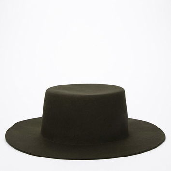Wide-Brim Boater Hat