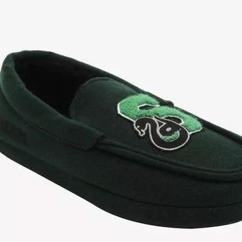 HARRY POTTER: Slytherin Moccasin Slipper Shoes - XS & Loot Crate Pin