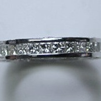 2.02ct Princess diamond Eternity Wedding Ring Band 18kt white Gold JEWELFORME BLUE