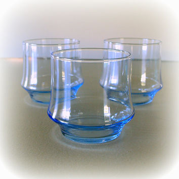 3 Modern Ice Blue 1960s VINTAGE DRINKING GLASSES / Chic & Stylish Rock Glass Tumbler / Bar / Barware / Lounge / Glassware / Vintage Serving