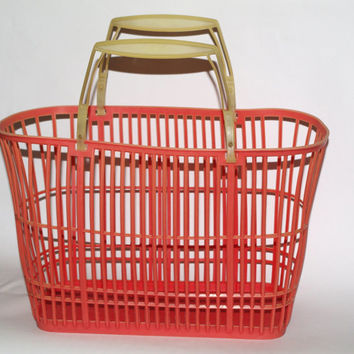 Vintage soviet plastic basket, red market bag. Pink plastic shopping or beach bag. Russian grocery bag Made in USSR70s lovely organizer deor