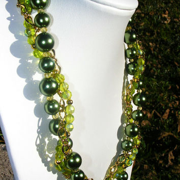 Green Pearl & Gold Chain Twisted Strands Necklace
