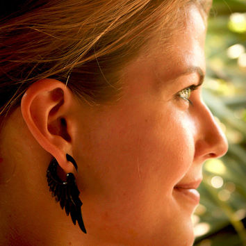 Ear Gauges, Carved Horn Gauge, Tribal Gauged Earrings, Organic Ear gauges, Unique Body Piercing jewelry, Organic Ear Stretchers, 6mm  Gauge,