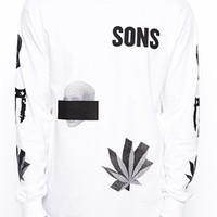SONS Exclusive Long Sleeved T-Shirt with Skull Print - white