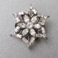 Retro 1940's Rhodium Plated Sterling Silver Flower in Star Crystal Rhinestone Pin Pendant