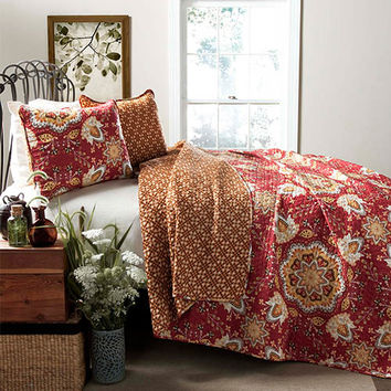 Lush Decor C24041Q14-000 Addington Red Three-Piece King Quilt Set - (In No Image Available)