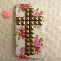 Unique Handmade Floral Iphone 4/4s Case with Bronze Cross Pyramid Studs