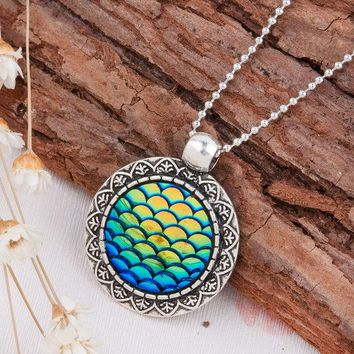 LMFET7 DoreenBeads Handmade Druzy Drusy Resin Cabochon Fish Scale Mermaid Pendant Necklace New Fashion Bohemia Woman Jewelry 1Piece