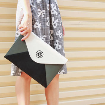 FREE CUSTOMIZE Monogram clutch,personalise clutch,envelope clutch bag,oversize clutch,personalized gifts,girlfriend gifts,gifts for her