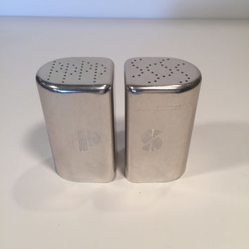 Aluminum Salt and Pepper Shakers/Vintage Salt and Pepper Shakers/Art Deco Salt and Pepper Shakers/Silver Aluminum Salt and Pepper Shakers