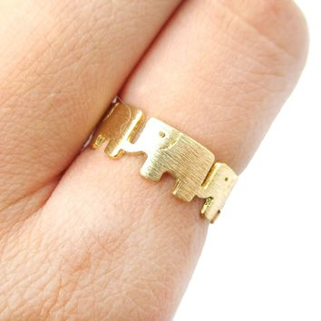 Linked Baby Elephant Parade Animal Ring in Gold | US Size 6 and 7 Only