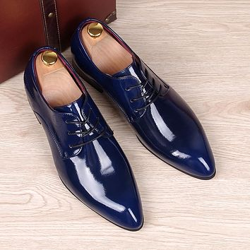 Spring Autumn Men Oxfords shoes Pointed toe Fashion business casual shoes Cow Split leather Brogue Shoes Male Flats