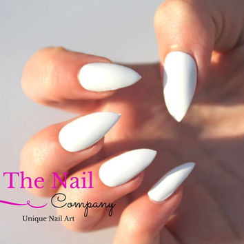 Set Of Glossy White Fake Nails