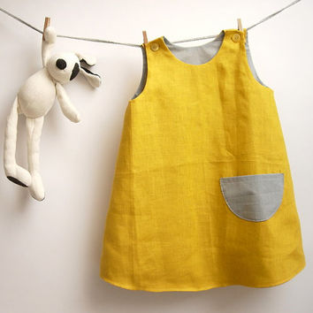 Reversible sleeveless yellow linen dress for little girl / summer A-Line retro classic dress / pinafore dress size 2 years