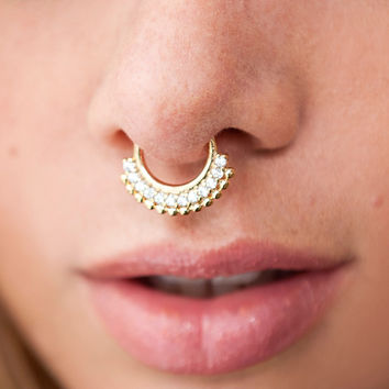 Icy Gold Septum Hanger
