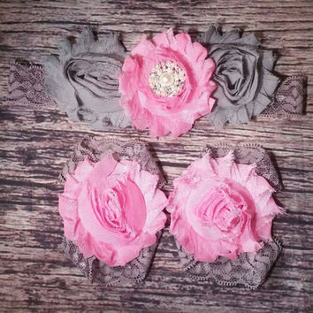 Baby Girl Fancy Pink and Gray Shabby and Lace Headband and Barefoot Sandals Set! Infant/ Newborn/ Toddler/ Little Girls/ Photo prop/hairbows