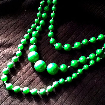 Nearly 135 Emerald Green Beads Triple Strand Nested Necklaces Rich Fashion Arts Crafts Knotted Women's Teens Girls Tweens Gift Christmas