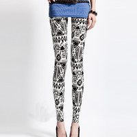 Aoki Fashion - Fashion Slim Geometric Pattern Triangle Printed Leggings Pants Black&White