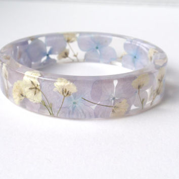 Eco Resin Bangle Bracelet - Size S - Real Flower Resin Bracelet - Real Plant Bracelet - Blue Bracelet