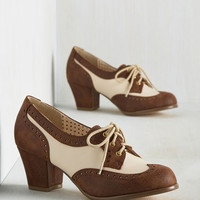 Oxford Comment Heel in Cocoa | Mod Retro Vintage Heels | ModCloth.com