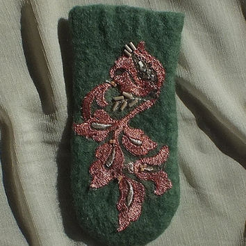 St. Patrick's Day present gift Eyeglass case phone case felted wool green apricot pink lace beads