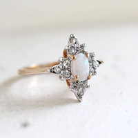 Vintage 1970s Oval Cut Genuine Opal with Round Clear Austrian Crystals Gold Tone Star Shaped Ring Made in USA #R1615