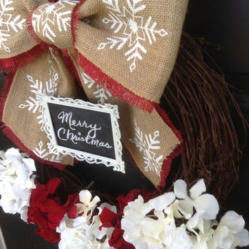 Red and White Christmas Hydrangea Wreath - Chalkboard Christmas Wreath - Personalized Christmas Decoration - Burlap Snowflake Bow