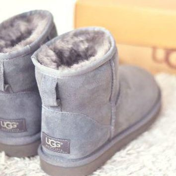 """""""UGG"""" Winter Classic Fashionable Women Cute Ankle Wool Snow Boots Grey I/A"""