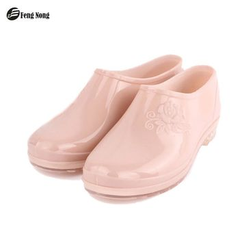 Fengnong Classic Ankle Rain Boots Warm British Platform Slip On PU Waterproof Colorful Ankle Flower Boots