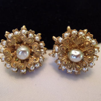 ON SALE MIRIAM Haskell Vintage Earrings Pearl 1950s Flower Button Clips