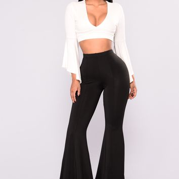 Kassiana Flare Pants - Black