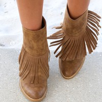 SZ 8.5 Very Volatile Khloe Tan Fringe Booties Chunky Wedge Heel