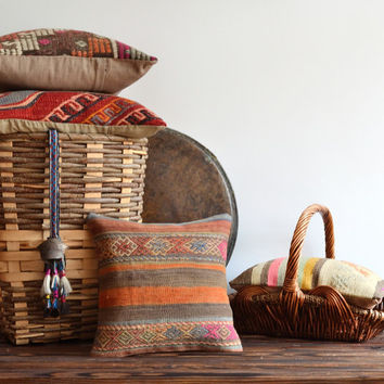 Vintage Handwoven Anatolian Kilim Pillow Cover - Ethnic Decorative Pillows - Modern Bohemian Kilim Cushion - Decorative Kilim Pillows