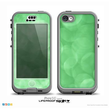 The Light Green Unfocused Orbs Skin for the iPhone 5c nüüd LifeProof Case