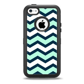 The Teal & Blue Wide Chevron Pattern Apple iPhone 5c Otterbox Defender Case Skin Set