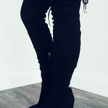*To The Point Boots: Black
