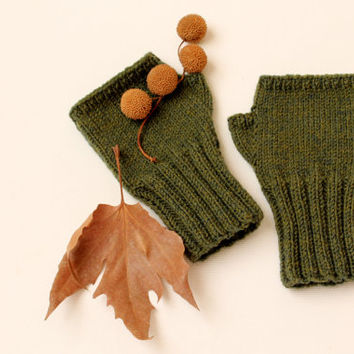 Fingerless Gloves. WintervFashion . Girls Women. Valentines Day. Love. spring fashion .Autumn Green - Front Page