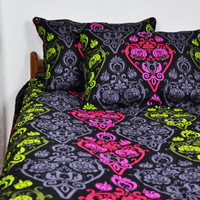 Damask Quilt Bedspread in Fuchsia Pink, Lime Green and Black for Queen or Full Size, Reversible Throw Bed Cover Set with Pillow Shams