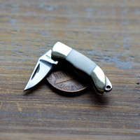 "1- Miniature Pocket Knife Charm Folding Knife 1"" Sharp Steel Blade BONE Handle Vintage Style Pendant Charm Jewelry Supplies (V001)"